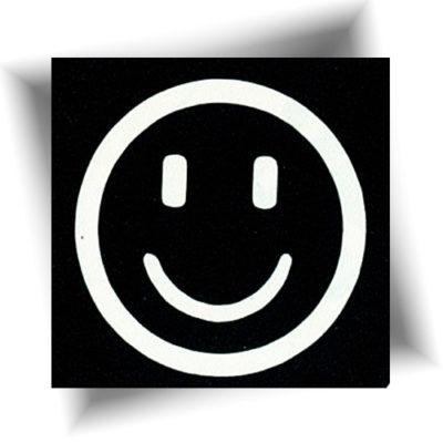 Pochoir adhésif smiley cool tatouage éphémère